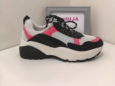 3507852920cc3 Biele tenisky s čierno-ružovými detailmi